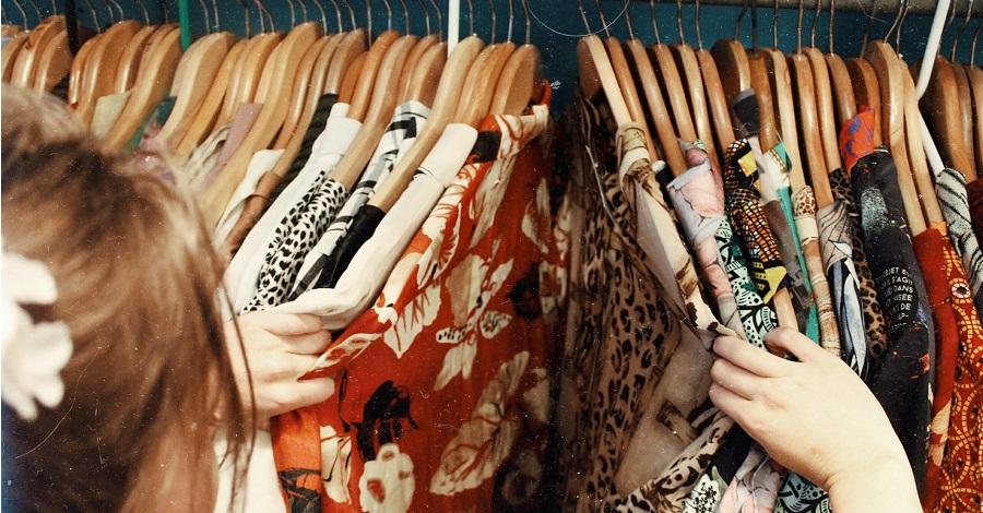 Trendy v obliekaní na rok 2021 – farby a oversize strihy!